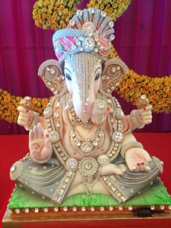Fashion beauty wallpapers ganesh chaturthi stage decoration for Background decoration for ganpati