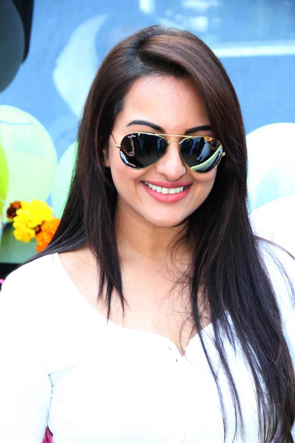 Sonakshi sinha actress xxx indian