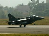 lca-tejas-makes-a-smooth-landing-at-bengaluru-on-friday-20-december-2013
