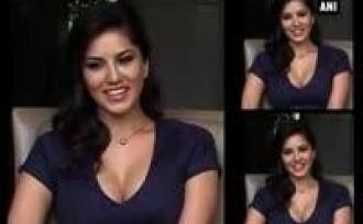 sunny-leone-upset-over-fake-strip-pictures