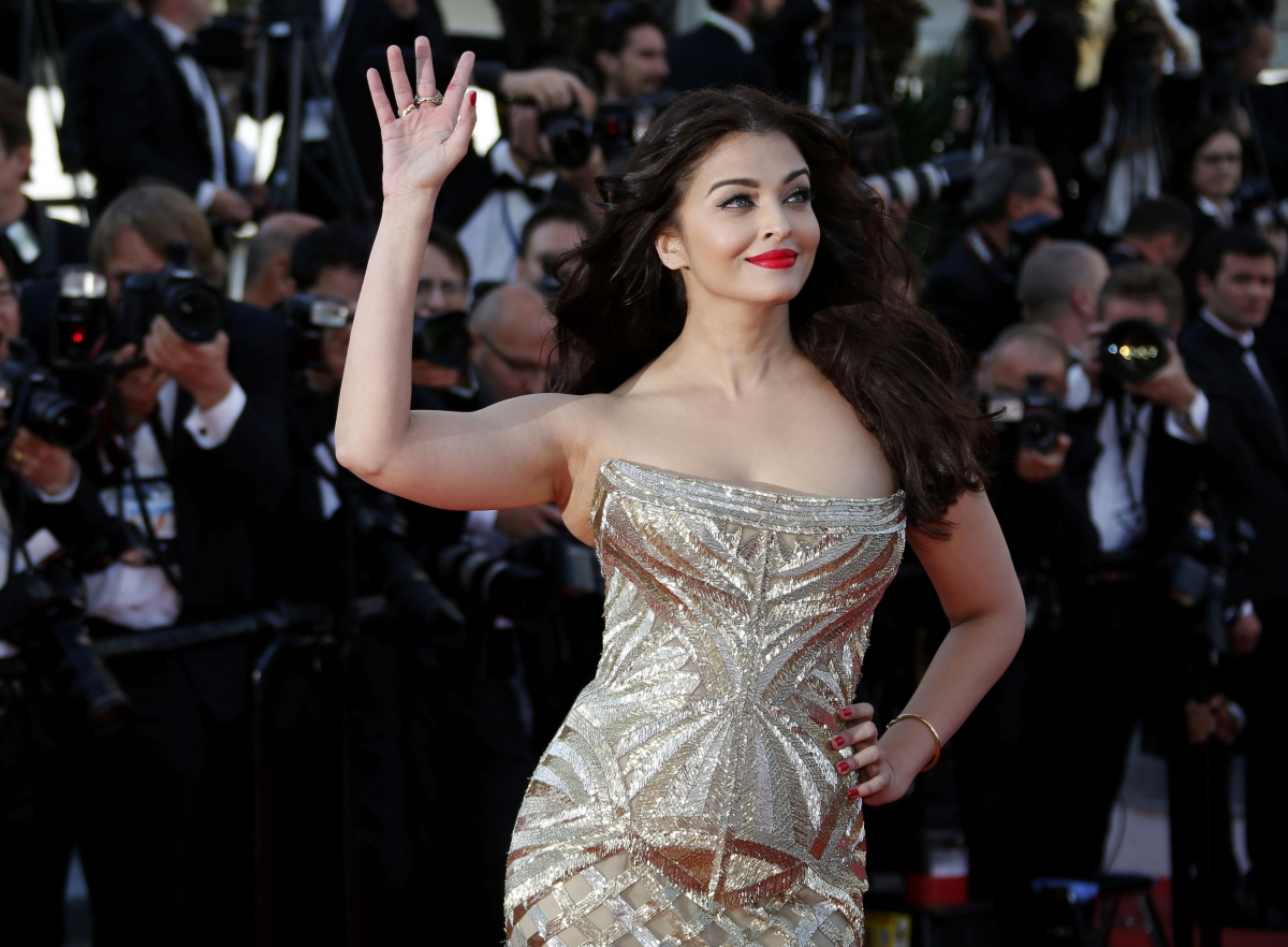 First Look Of Aishwarya Rai Bachchans Jazbaa To Be Out