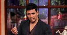 Akshay Kumar Promotes 'Holiday' on Comedy Night with Kapil