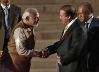 'Mother's Love' gets Modi-Sharif to Bond; All Eyes on India-Pak Talks