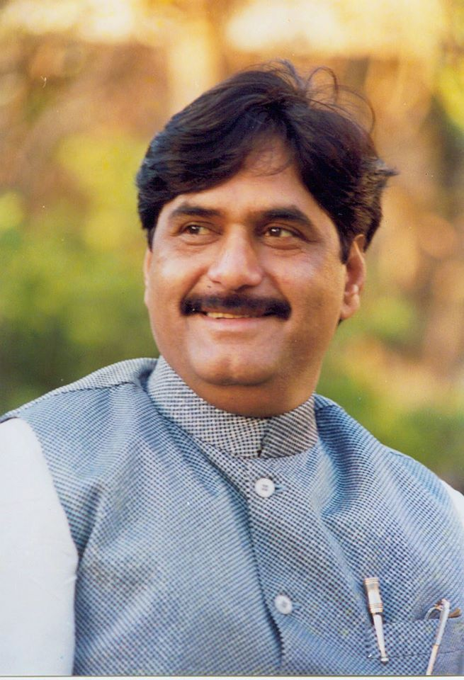 Rip Gopinath Munde Twitter Flooded With Tributes