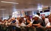 ukrainina-activists-hold-flash-mob-at-kiev-airport