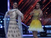 Kareena Kapoor promotes 'Singham Returns' on 'Jhalak Dikhhla Jaa'