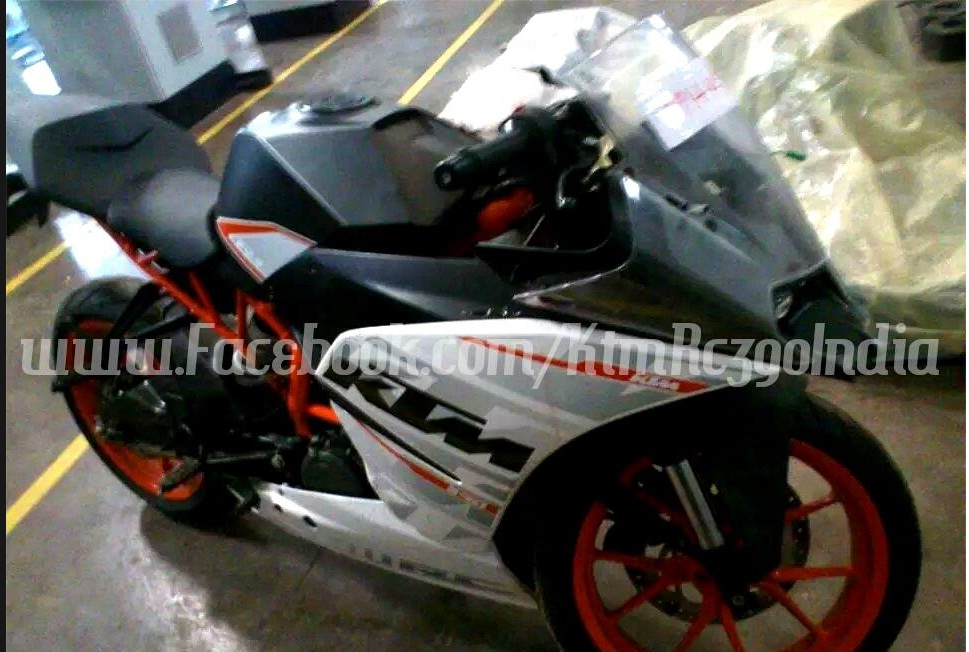 ktm rc 390 and rc 200 launched in india; price, booking, feature