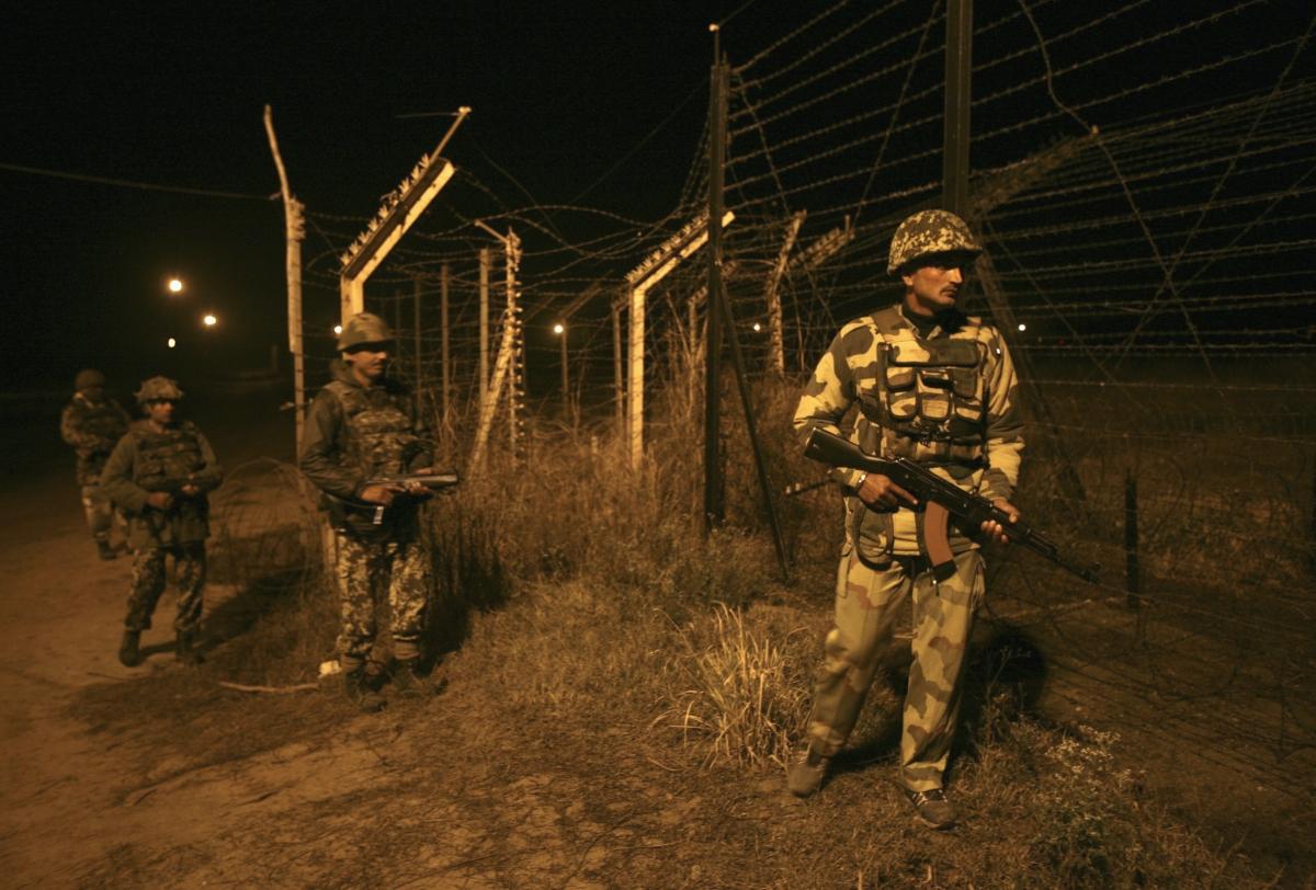 UriAttacks:India,Pak trade fire at border