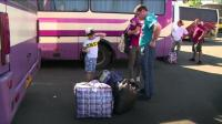 donetsk-residents-flee-the-city-as-shelling-intensifies