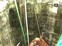 officials-rescue-leopard-from-well-in-nagpur