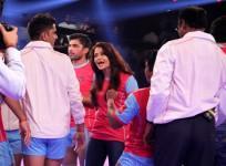 Aishwarya Rai, Abhishek Bachchan celebrate Jaipur Pink Panthers' win