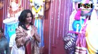 poonam-pandey-takes-blessings-from-lord-ganesha