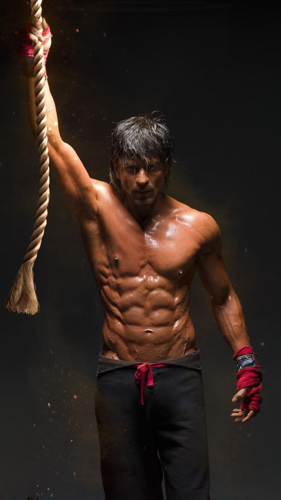 After 'Happy New Year', Shah Rukh Khan to go Shirtless for