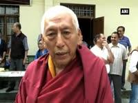tibetan-former-pm-in-exile-felicitates-guinness-record-holder-calligraphy-artist-in-dharamsala