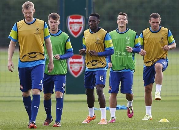 Arsenal Mertesacker Ramsey Welbeck Ozil Podolski