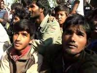 kashmirs-flood-fury-leaves-migrants-stranded