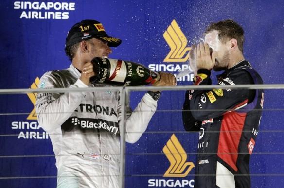 Lewis Hamilton Sebastian Vettel Mercedes Red Bull Singapore GP