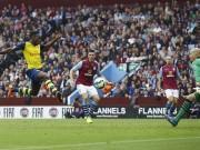 Danny Welbeck Arsenal Aston Villa Brad Guzan Ciaran Clark Alan hutton