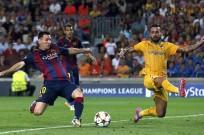 Lionel Messi Barcelona Mario Sergio APOEL Nicosia