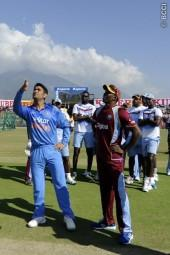 MS Dhoni India Dwayne Bravo West Indies