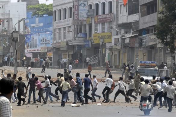 communal clash trilokpuri