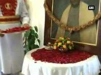 pm-modi-pays-floral-tribute-to-sardar-vallabhbhai-patel-in-parliament