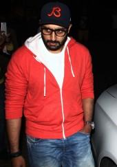 Aishwarya Rai, Abhishek Bachchan spotted at PVR Cinemas
