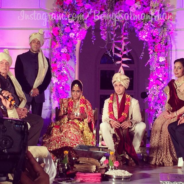 Arpita Khans Wedding Salman Aamir Varun Dhawan Dance To Jumme Ki Raat At Falaknuma Palace
