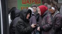 ukraines-elderly-struggle-to-get-their-pension