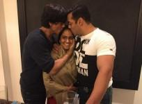 Shah Rukh Khan, Arpita Khan and Salman Khan