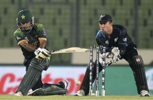 Mohammad Hafeez Pakistan Luke Ronchi New Zealand