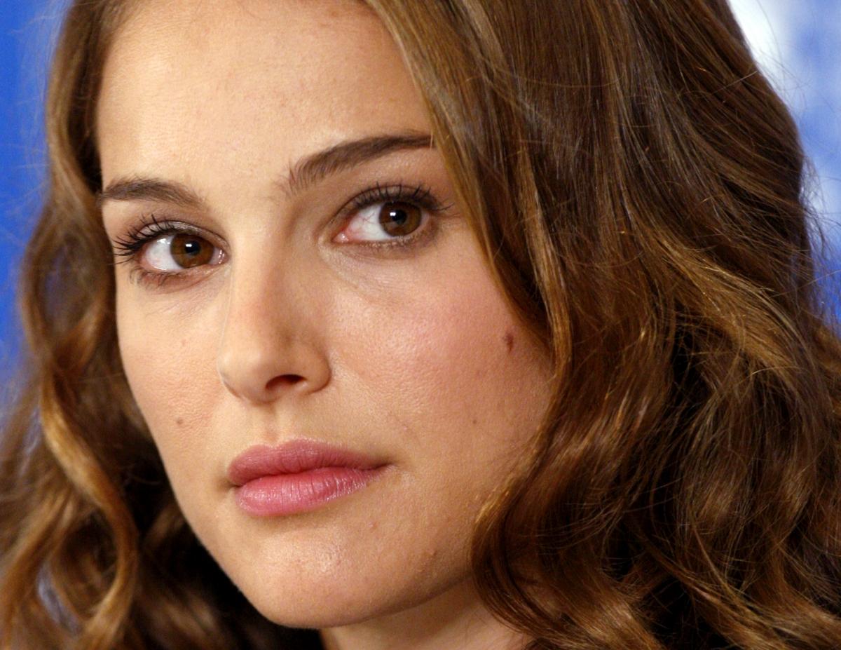 Chain Irks Natalie Portman Natalie Portman