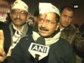 stone-pelted-at-kejriwal-at-a-public-rally-in-deoli-aap-leader-unhurt