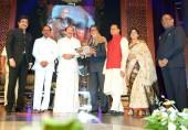 Amitabh Bachchan Receives ANR Award: Nagarjuna Thanks Big B for Accepting Honour