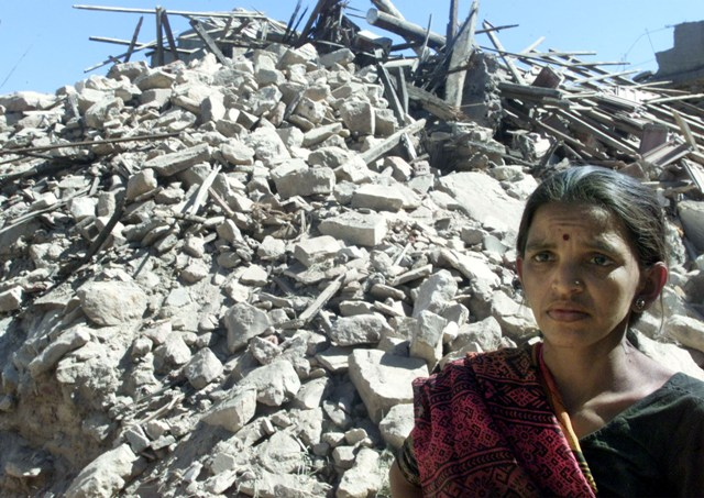2001 gujarat earthquake The 2001 gujarat earthquake, which lasted for over two minutes, killed more than  19727, while 166000 were injured and nearly millions were.