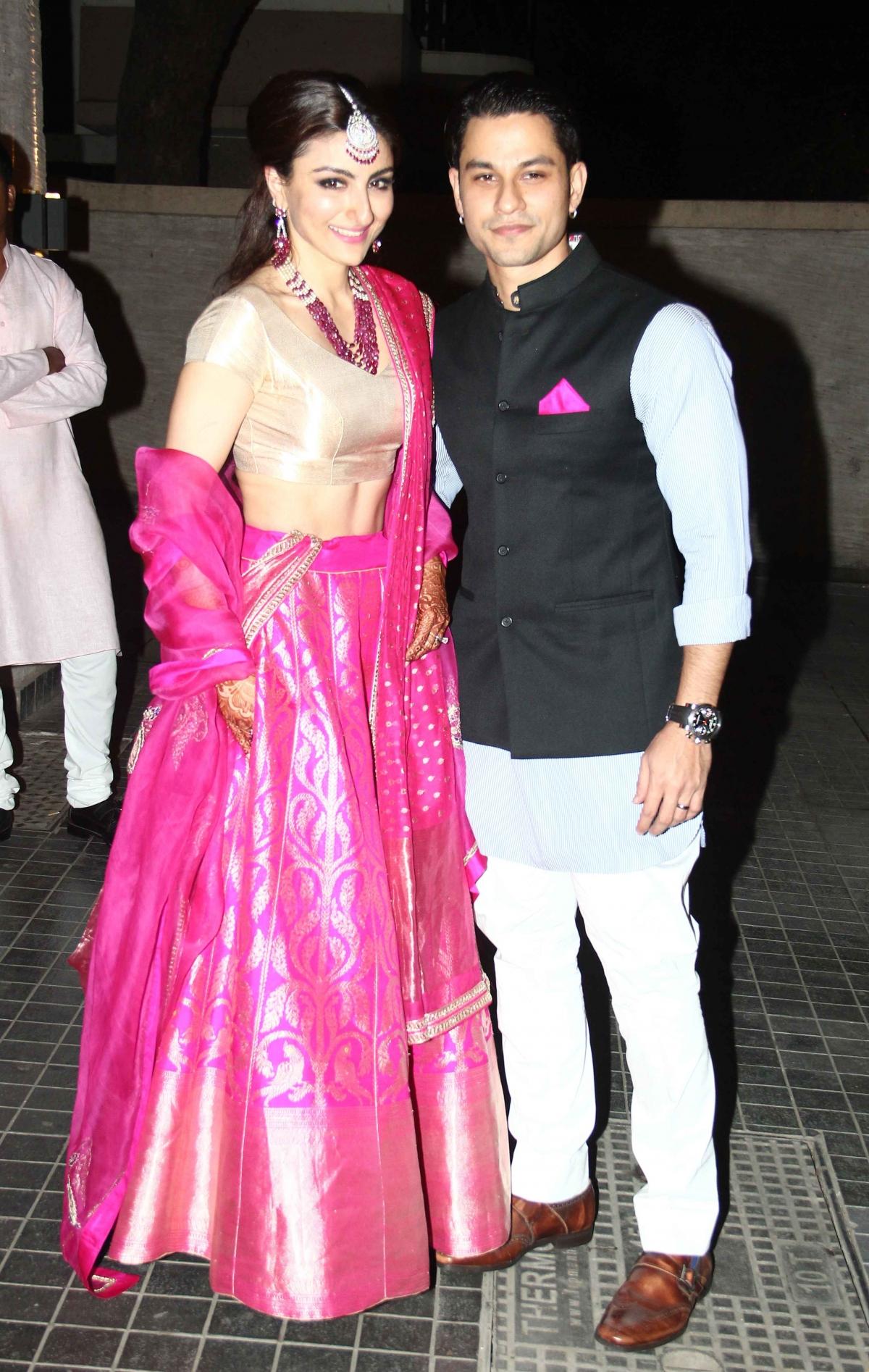 Soha Ali Khan-Kunal Khemu Wedding Reception: Kareena ...