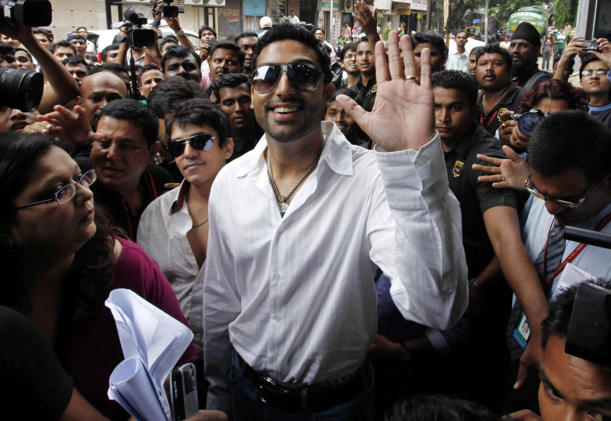 39 Abhishek Bachchan 39 Applies For Ssc Exam But As Female