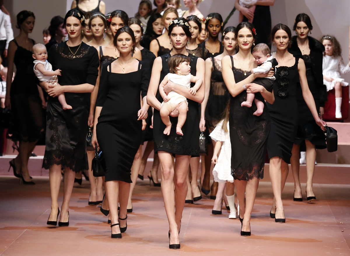 Milan Fashion Week 2015: Pregnant Models Walk the Ramp for ...