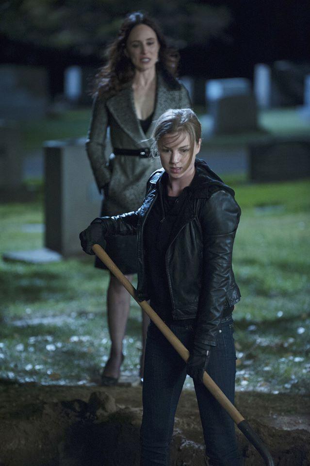 'Revenge' Season 4 Finale Spoilers: Amanda aka Emily to ...