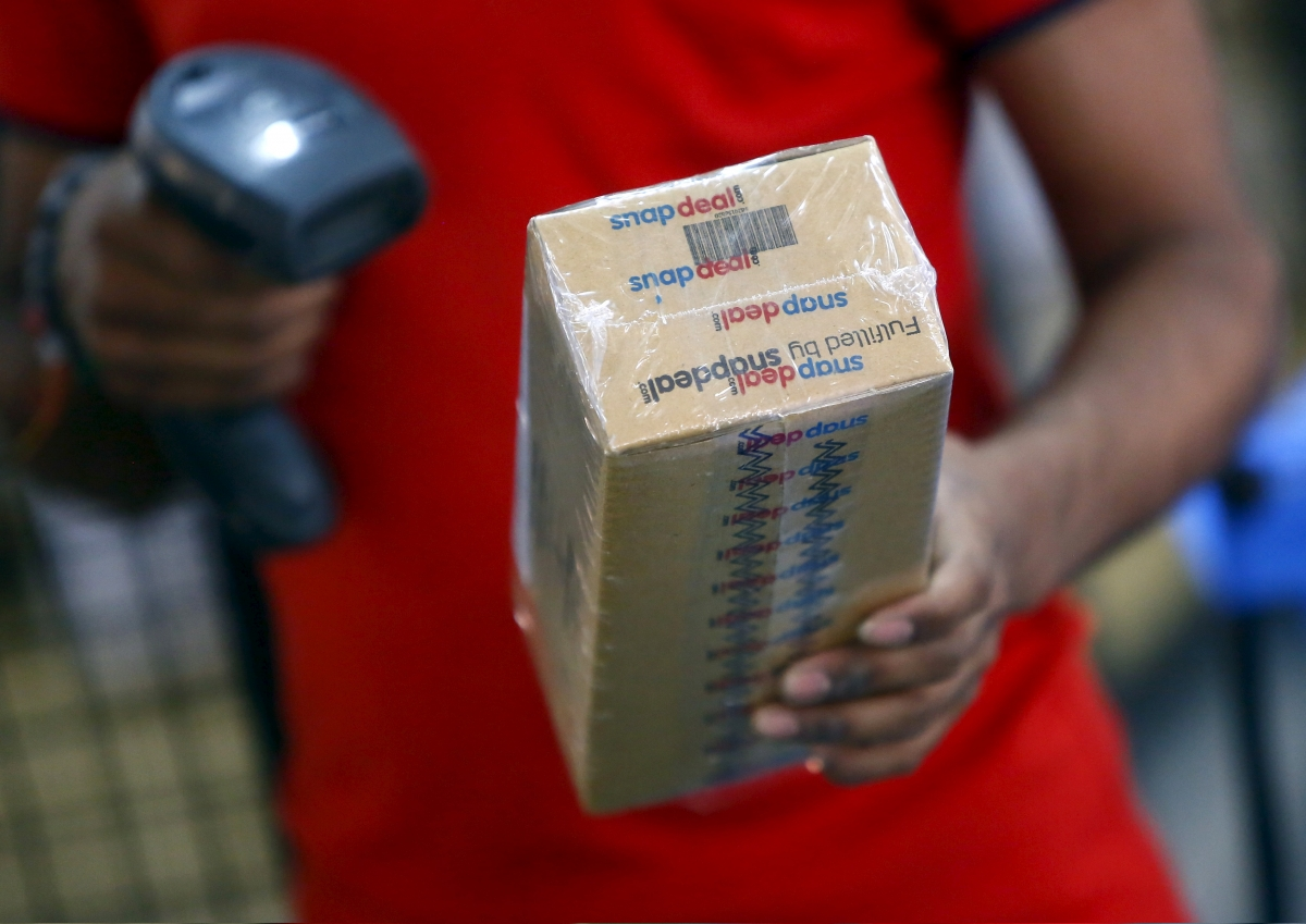 8adbeb1df8f Snapdeal will beat Flipkart as India s No.1 online retailer by March 2016   Kunal