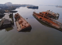 New York: Drone footage captures abandoned wrecks off Staten Island