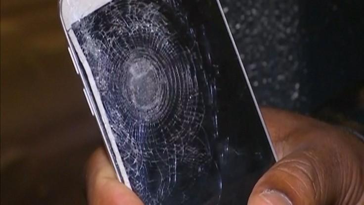 paris attacks man saved by mobile phone after stade de france explosion 654790. Black Bedroom Furniture Sets. Home Design Ideas