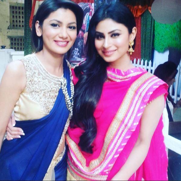 When 'Naagin' Actress Mouni Roy Met Sriti Jha Of 'Kumkum