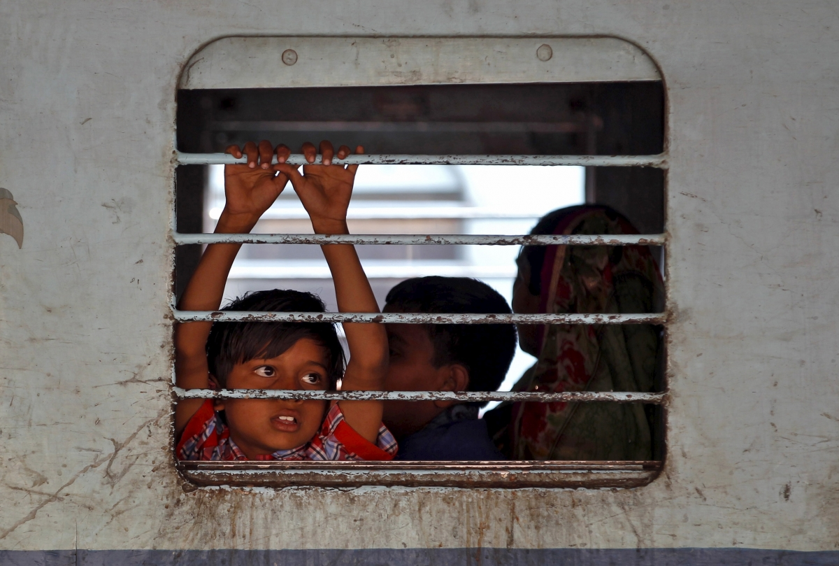 Railways to scrap half-fare  tickets for kids from April 22, will not be alotted reserved births - International Business Times, India Edition