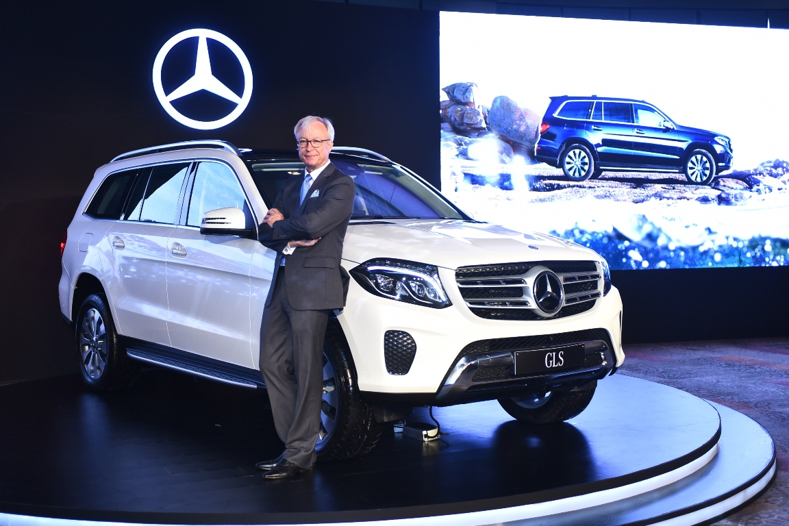 Mercedes benz gls flagship suv launched at rs lakh for Mercedes benz flagship car