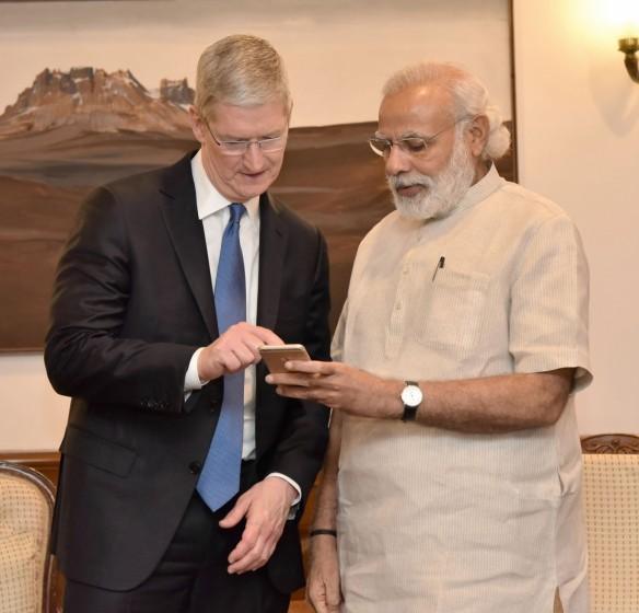 apple ceo tim cook meets narendra modi indian prime minister