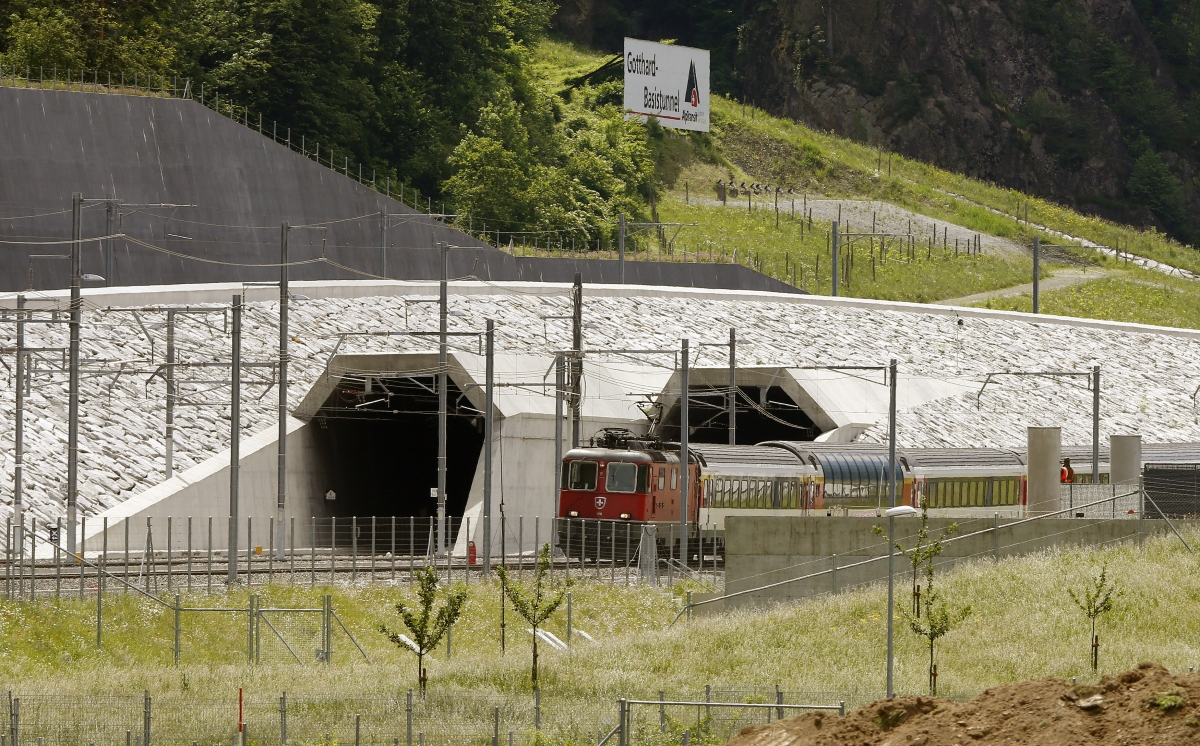 pictures Swiss Build Worlds Longest Tunnel