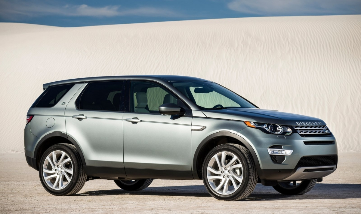 land rover discovery sport petrol model launched at rs lakh ex delhi. Black Bedroom Furniture Sets. Home Design Ideas