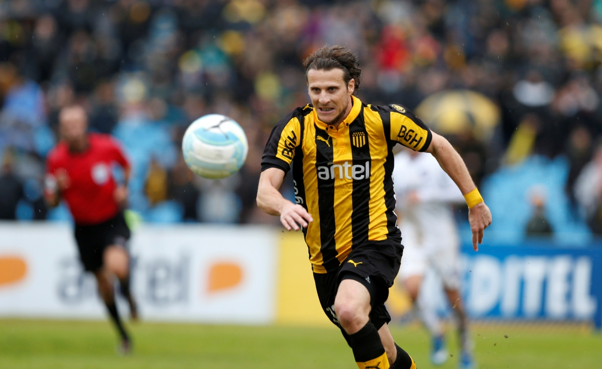 ISL 2016 Diego Forlan to join hands with Ranbir Kapoor in Indian