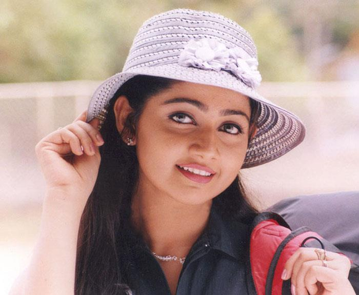 Divya Unni net worth